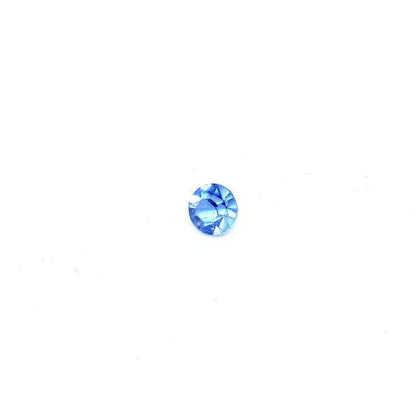 светло синьо кристалче частица