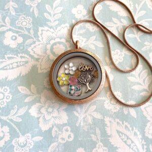 медальон със символ дървото на живота