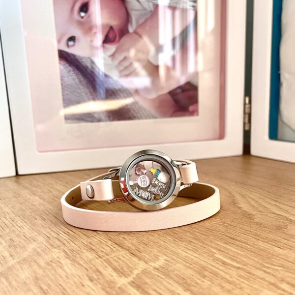 Розова Гривна с Медальон